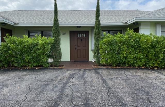 125 Castlewood Drive - 125 Castlewood Drive, North Palm Beach, FL 33408