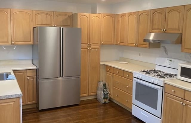 100 Ruggles St - 100 Ruggles Street, Quincy, MA 02169