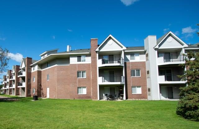 The Lexington Apartments & Townhomes - 2755 Lexington Ave, Roseville, MN 55113