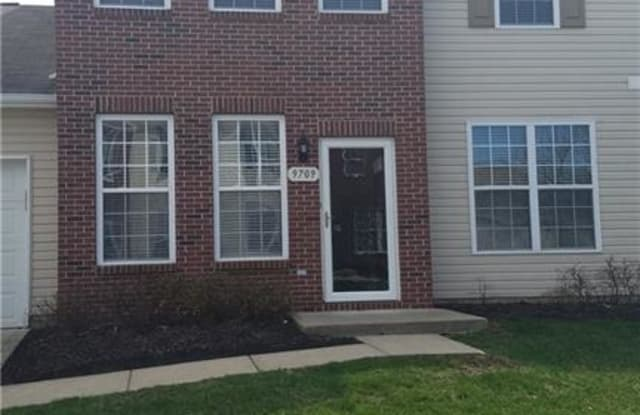 9709 Green Knoll Drive - 9709 Green Knoll Drive, Noblesville, IN 46060