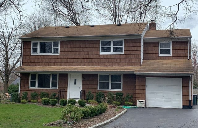 31 Crooked Hill Road - 31 Crooked Hill Road, Huntington, NY 11743