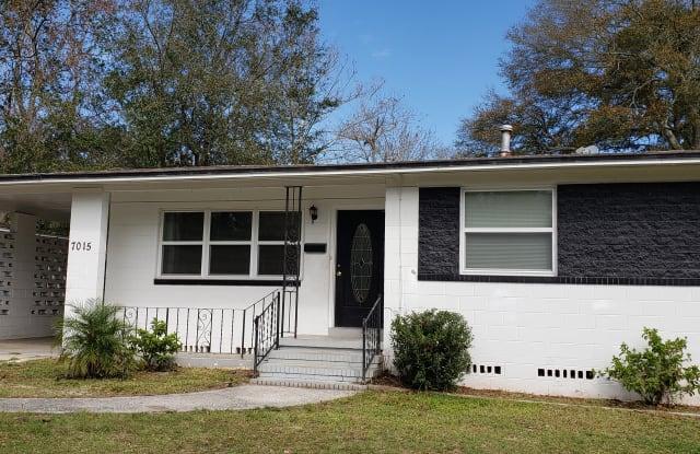 7015 Biddy Ln - 7015 Biddy Lane, Jacksonville, FL 32210