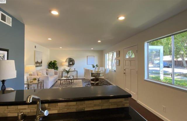 423 E Latimer Ave - 423 East Latimer Avenue, Campbell, CA 95008