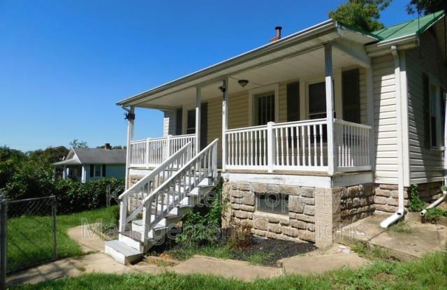828 Faber Ave - 828 Faber Avenue, Waynesboro, VA 22980