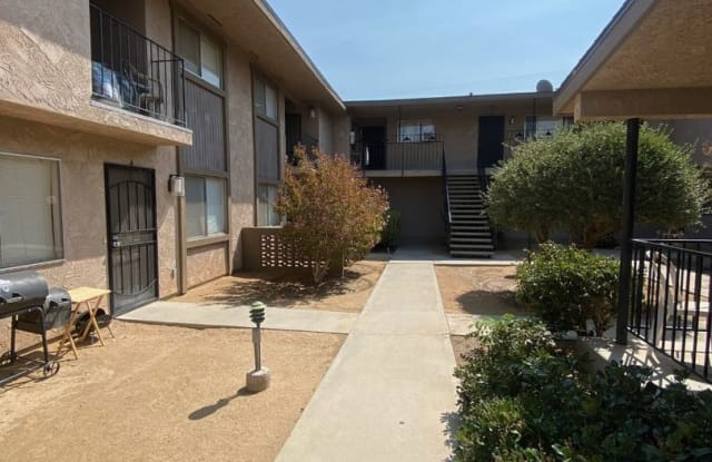 7393 Condalia #7 - 7393 Condalia Avenue, Yucca Valley, CA 92284