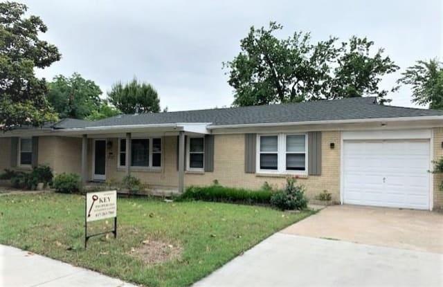 5757 Tracyne Drive - 5757 Tracyne Street, Westworth Village, TX 76114