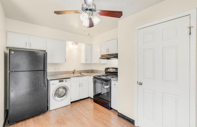 Windom Peak Apartments Denver Co Apartments For Rent