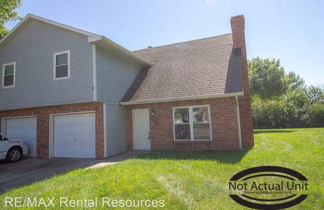 1905 Mirtle Grove Ct - 1905 Mirtle Grove Court, Columbia, MO 65201