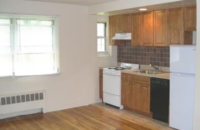 Ridge Gardens Apartments - 493 Linden Pl, Essex County, NJ 07050
