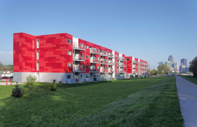 The Residences at River View - 1405 Southeast 1st Street, Des Moines, IA 50315