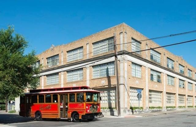 Cadillac Lofts - 317 Lexington Ave, San Antonio, TX 78215