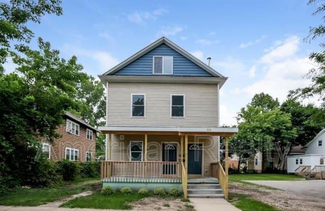 816 Sibley St NW 1 - 816 Sibley Street Northwest, Grand Rapids, MI 49504