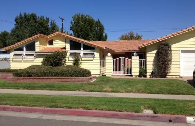 2643 E Palmyra Avenue - 2643 East Palmyra Avenue, Orange, CA 92869