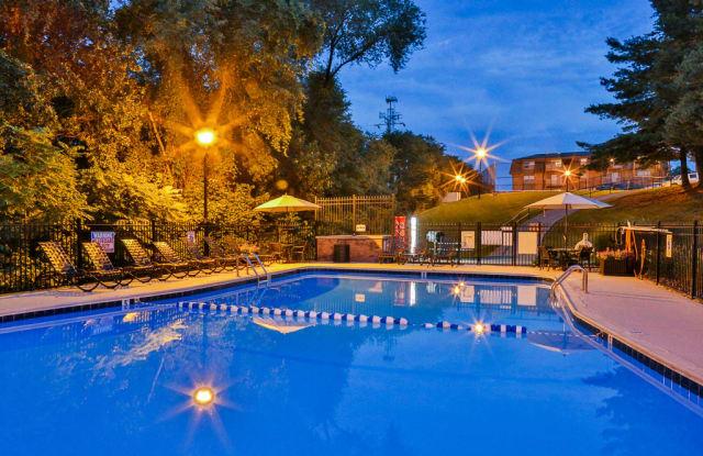 Cedar Point Apartments - 3157-27 Berry Ln, Roanoke, VA 24018