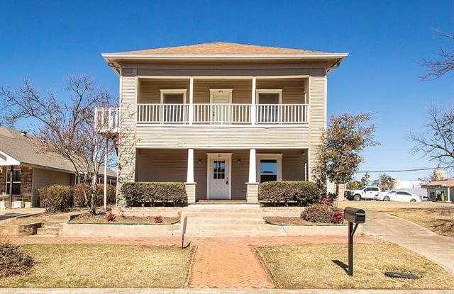 705 W Chestnut - 705 West Chestnut Street, Denison, TX 75020