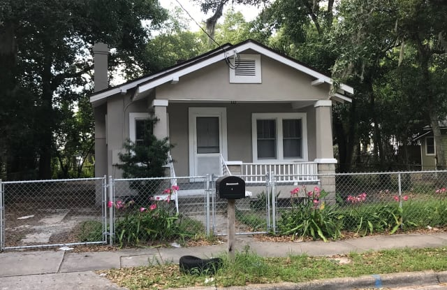844 Crestwood Street - 844 Crestwood Street, Jacksonville, FL 32208