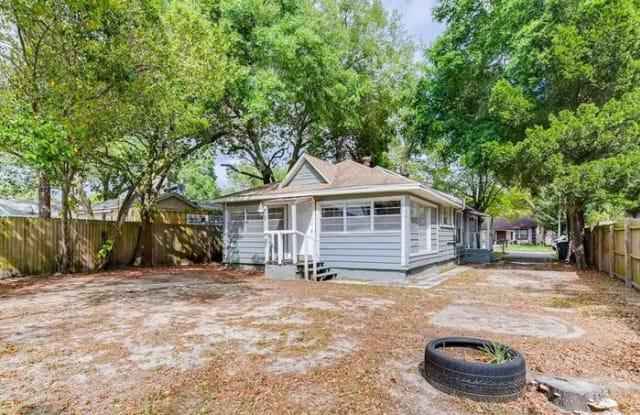 8614 North Orangeview Avenue - 8614 North Orangeview Avenue, Tampa, FL 33617
