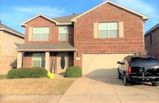 628 Woodpecker Lane - 628 Woodpecker Lane, Fort Worth, TX 76108