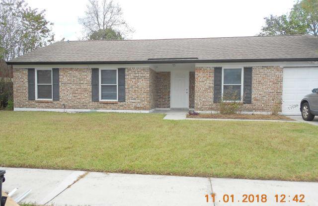 8267 YOLANDA CT - 8267 Yolanda Ct, Jacksonville, FL 32210