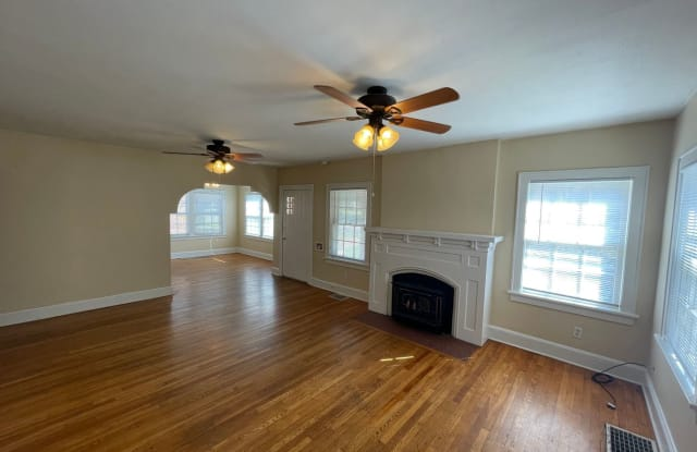 1159 S National Ave - 1159 South National Avenue, Springfield, MO 65804