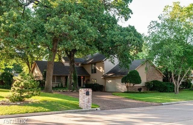 1315 Clover Hill Rd - 1315 Clover Hill Road, Mansfield, TX 76063