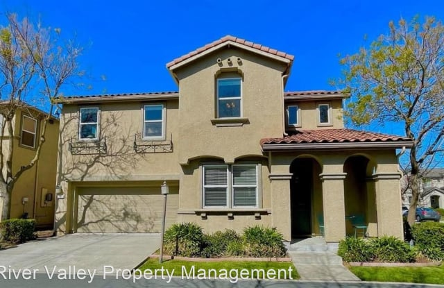4 Shadmoor Place - 4 Shadmoor Place, Sacramento, CA 95835
