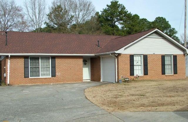 634 S Jeff Davis - 634 South Jeff Davis Drive, Fayetteville, GA 30215