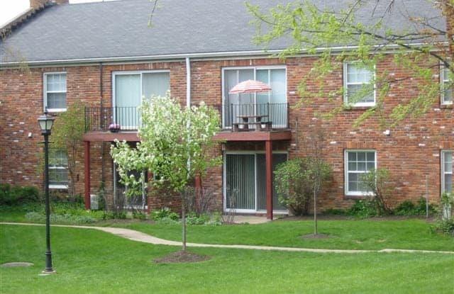 Olde Towne In Kenwood - 6915 Lynnfield Ct, Cincinnati, OH 45236