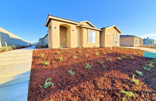 3726 Red Rock Drive A - 3726 Red Rock Dr, Oildale, CA 93308