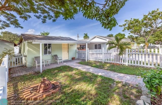 6133 Hayes St - 6133 Hayes Street, Hollywood, FL 33024