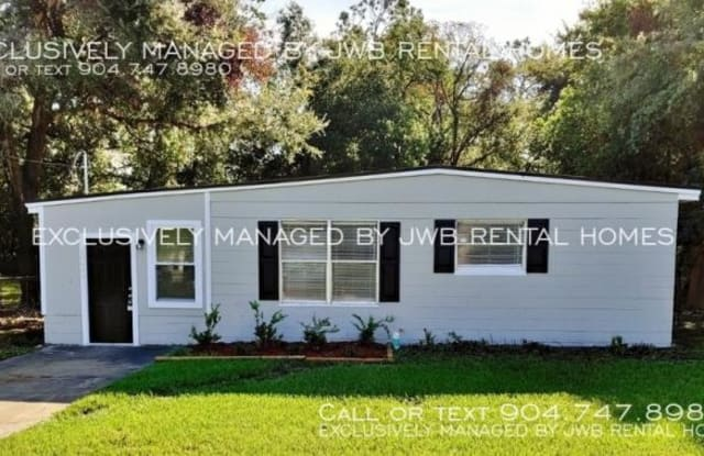 10609 Briarcliff Rd E - 10609 East Briarcliff Road, Jacksonville, FL 32218
