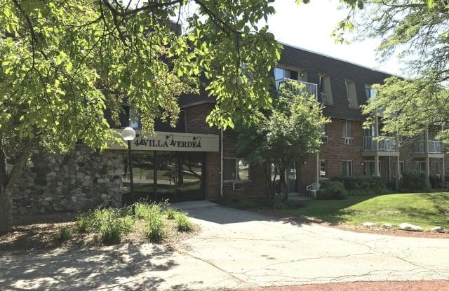 4 Villa Verde Drive - 4 Villa Verde Drive, Buffalo Grove, IL 60089