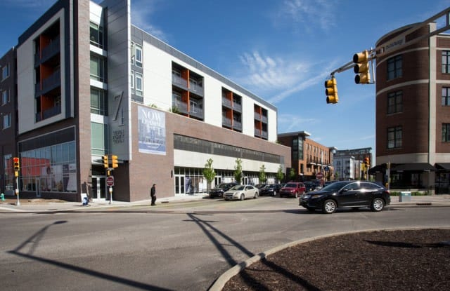 747 Apartments - 747 N College Ave, Indianapolis, IN 46202