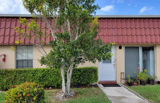 767 Nantucket Circle - 767 Nantucket Circle, Palm Beach County, FL 33467