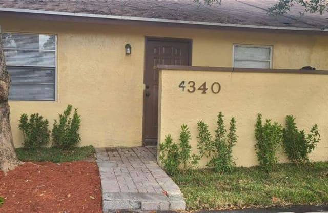 4340 NW 6th Ave - 4340 Northwest 6th Avenue, Deerfield Beach, FL 33064