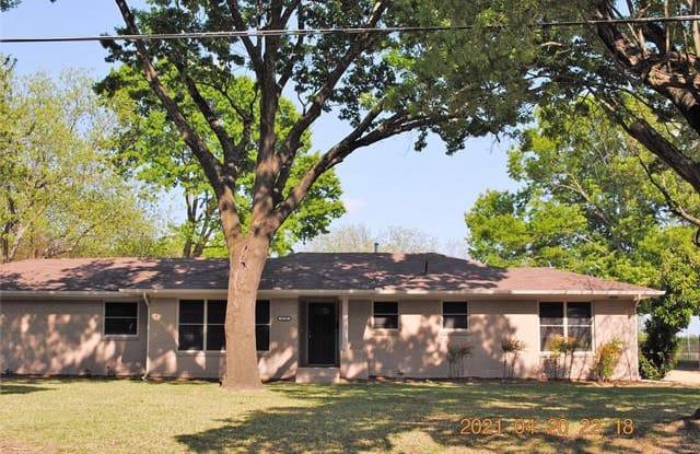 620 S DALLAS Avenue - 620 South Dallas Avenue, Lancaster, TX 75146