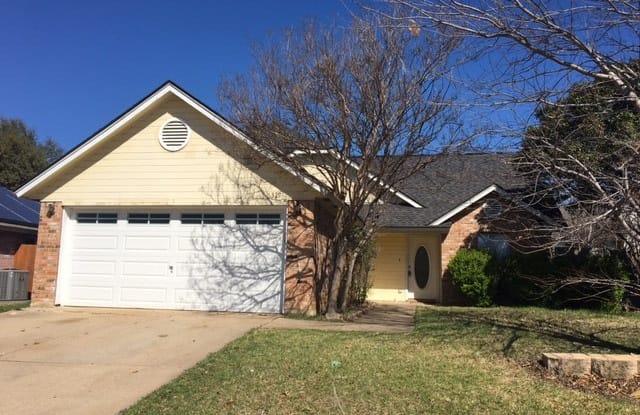 6329 N Park Dr - 6329 North Park Drive, Watauga, TX 76148