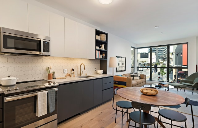 El Centro Apartments & Bungalows - 6200 Hollywood Blvd, Los Angeles, CA 90028