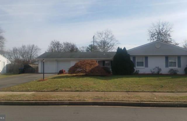 4221 PEEKSKILL LN - 4221 Peekskill Lane, Greenbriar, VA 22033