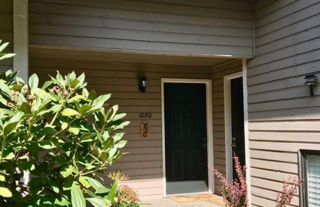 1090 BLUE HERON AVENUE NE - 1090 Blue Heron Avenue Northeast, Bainbridge Island, WA 98110