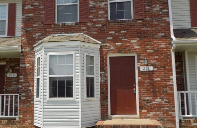 233 Tree Line Dr - 233 Tree Line Drive, Oak Grove, KY 42262