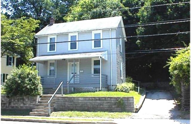 145 MOOREHEAD AVENUE - 145 Moorehead Avenue, West Conshohocken, PA 19428