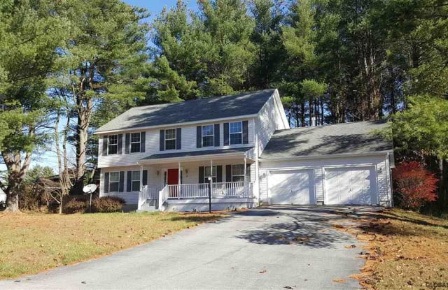4 ROUND TABLE RD - 4 Round Table Road, Saratoga Springs, NY 12866