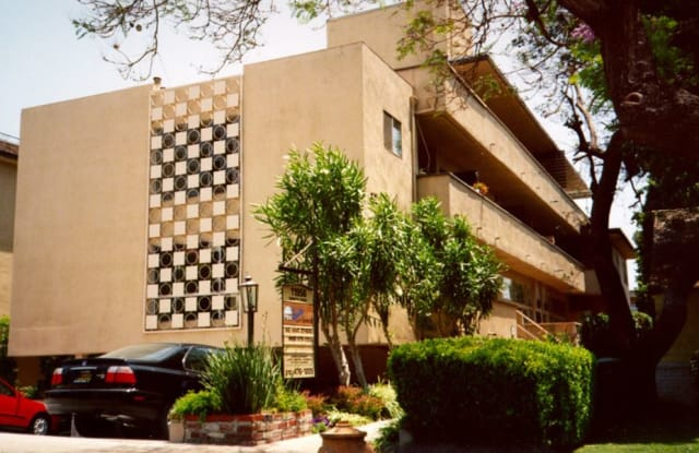 The Brentwood Collection - 11858 Goshen Ave, Los Angeles, CA 90025