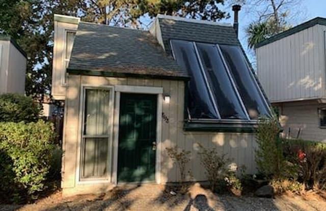 8198 El Rancho Dr - 8198 El Rancho Drive, Cotati, CA 94931