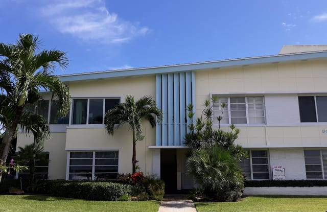 990 Casuarina Road - 990 Casuarina Road, Delray Beach, FL 33483