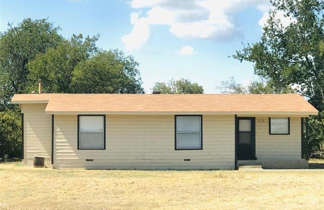 1113 E Main Street - 1113 E Main St, Crowley, TX 76036