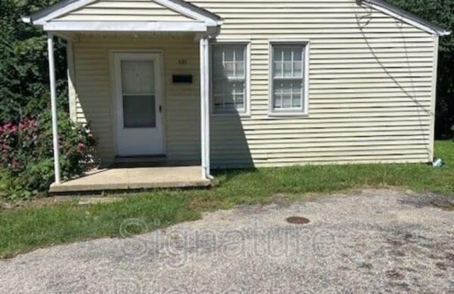 541 Hannon St - 541 Hannon Street, Petersburg, VA 23803