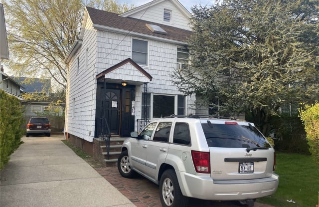 7 Devine Street - 7 Devine Street, Lynbrook, NY 11563