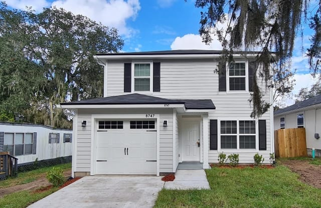 8747 BERRY AVE - 8747 Berry Avenue, Jacksonville, FL 32211